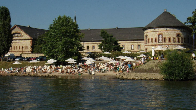 Rheinstrand Wiesbaden